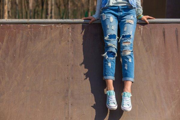 10 Rekomendasi Jeans Murah dan Berkualitas untuk Gayamu yang Makin Kece (2020)