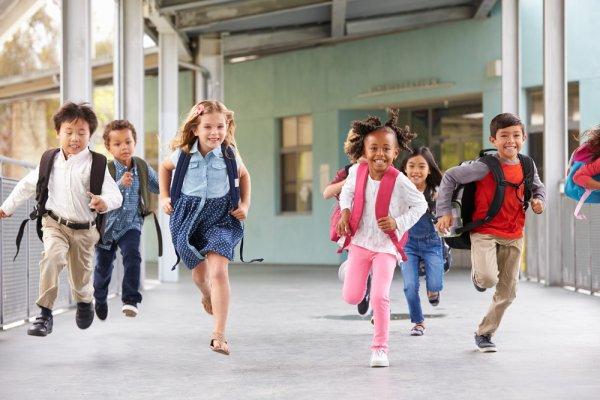 Ingin Anak Tampil Keren? Inilah 5 Merek Sepatu Anak yang Lagi Ngehits dan 8 Rekomendasinya untuk Anak Laki-laki dan Perempuan