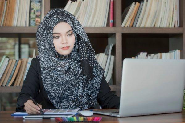 10 Rekomendasi Hijab Instan Praktis yang Cocok Kamu Kenakan Sehari-hari (2019)