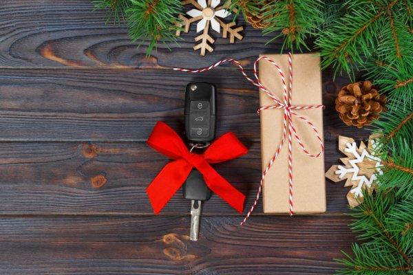 クリスマスプレゼントに人気のレディースキーケース ブランド