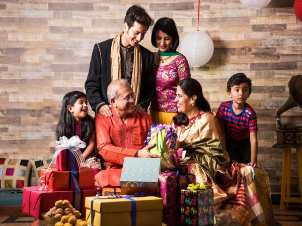 Choose Memorable and Unique Gifts this Festive Season: Check out these Useful and Budget-Friendly Diwali Gifts for Your Family, Plus Ideas for Doing Something Different and Making the Festival Special (2020)