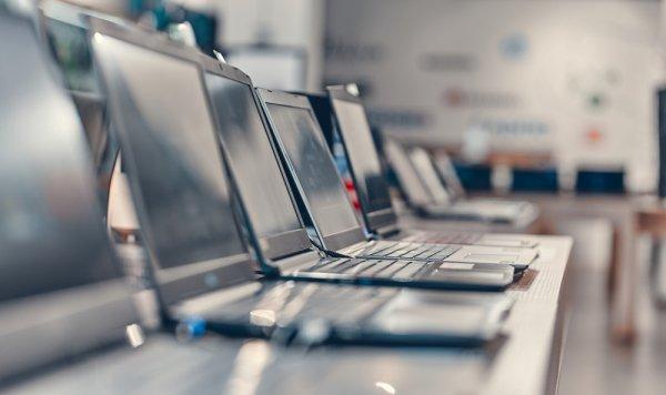 आज के युग में, लैपटॉप एक जरूरत बन गयी  है: हमने 7 सबसे अच्छे लैपटॉप की एक सूची बनाई है, जिसे आप 50,000 रुपये में खरीद सकते हैं (2019)