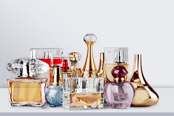 Wangi Tahan Lama, Ini Dia 10 Rekomendasi Parfum Vitalis dengan Aroma Feminin (2020)