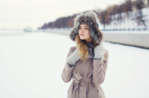 Ingin Jalan-jalan melihat Salju di Luar Negeri? Jangan Lupa Bawa 9 Rekomendasi Fashion Item untuk Musim Dingin Ini, Ya!