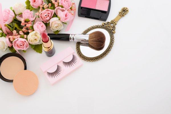 15 Tips Makeup yang Wajib Diketahui Agar Hemat Waktu Berdandan