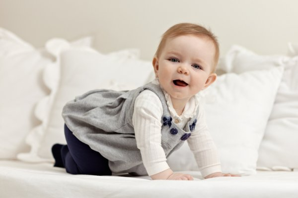 10 Useful Gifts for 6 Month Old Girls: The Best Toys and Products for 6 to 12 Month Old Baby Girls and How to Shop Smart for a Baby (2020)