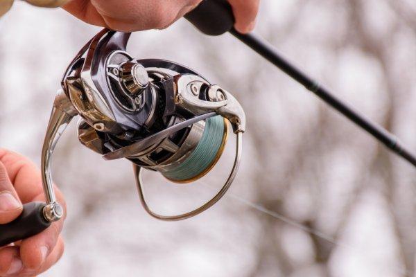 10 Rekomendasi Spinning Reel Terbaik yang akan Memaksimalkan Hobi Memancing Anda