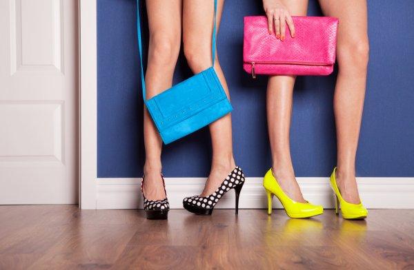 Tips Nyaman Kenakan Sepatu Hak Tinggi dan 8 Rekomendasi Sepatu Hak Tinggi Cantik yang Siap Menyempurnakan Penampilanmu