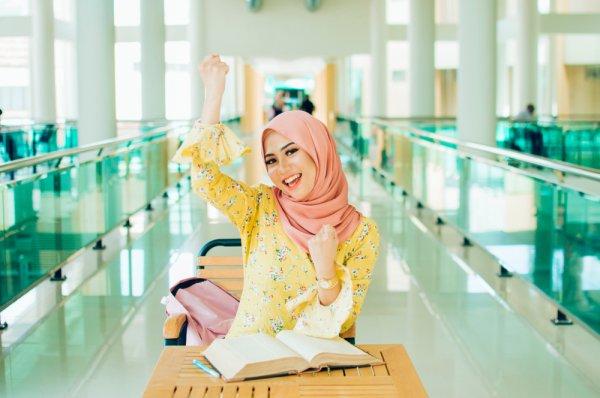Tampil Simpel dan Syar'i dengan 10 Rekomendasi Hijab Instan Berikut! (2020)