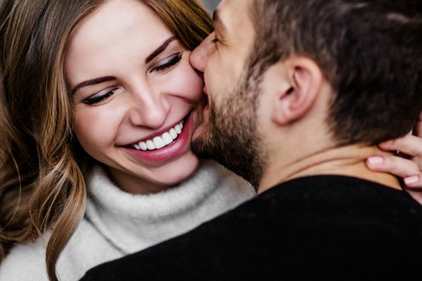 9 Absolutely Gorgeous Gift Ideas for Anniversary for Him to Start Singing Your Favorite Love Songs For You! (2019)
