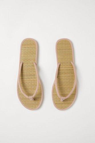 8 Rekomendasi Sandal Perempuan H&M yang Keren