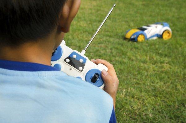 10 Rekomendasi Mobil Remote Control yang Pas untuk Para Penggemar Balap