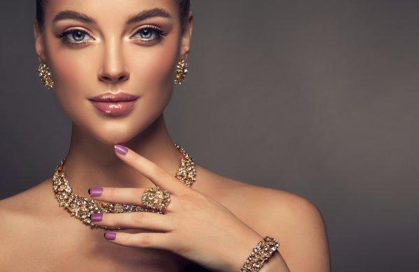 Tampil Menawan dengan 9 Perhiasan Xuping yang Aman Digunakan dan Hemat Bujet