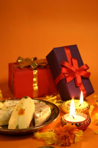 This Festive Season Spread Happiness with 11 Special Diwali Gift Packs (2019)