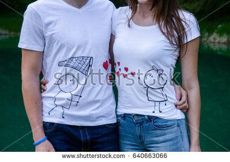 Tampil Kompak Bersama Sahabat Dengan Baju Couple yang Keren
