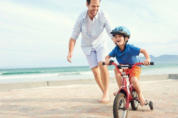 Belajar Olahraga Sepeda Sejak Dini dengan 9 Sepeda Roda Empat Pilihan untuk Si Kecil