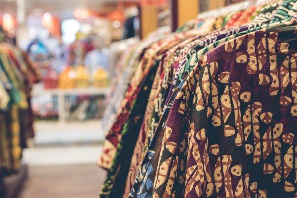 Ingin Tampil Unik dan Berkelas dengan Baju Etnik Modis? Intip 8 Rekomendasinya, yuk!