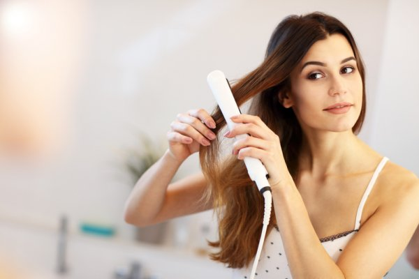 Like the Sleek, Straight Hair Look but Don't Want to Spend a Bucket on Treatments? These 10 Hair Straighteners at Low Price Can Get the Job Done (2020)!