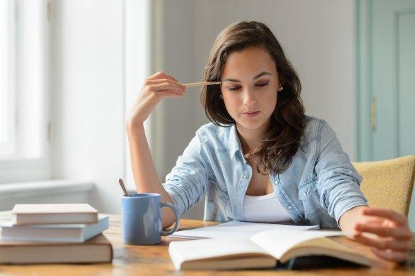 Stres Saat Belajar? Coba Terapkan 10+ Tips Belajar Agar Kegiatan Satu Ini Lebih Asyik dan Menyenangkan