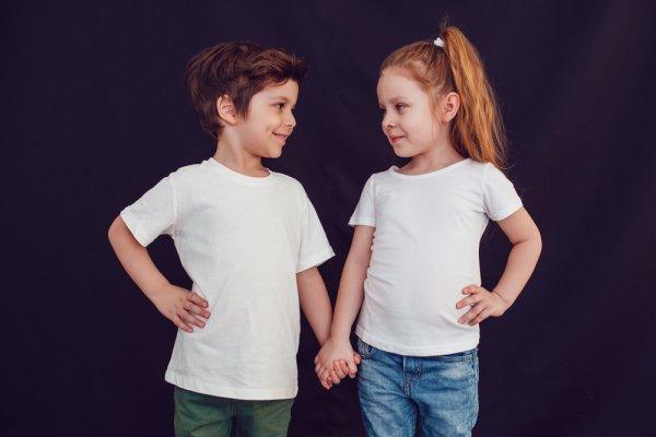 Laki atau Perempuan, Anak Anda Layak Mendapatkan Satu dari 10 Baju Branded Berikut!