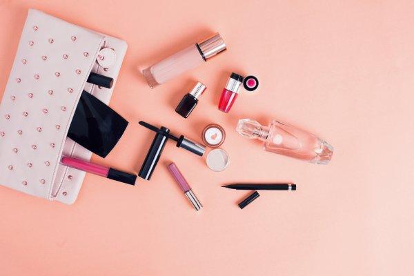8 Rekomendasi Dompet Kosmetik Buat Kamu yang Aktif (2019)