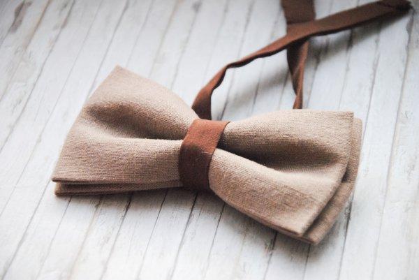 Berani Tampil Stunning dengan Dasi? 7 Rekomendasi Dasi Cantik untuk Wanita Ini Sangat Pas untuk Melengkapi Gayamu (2019)