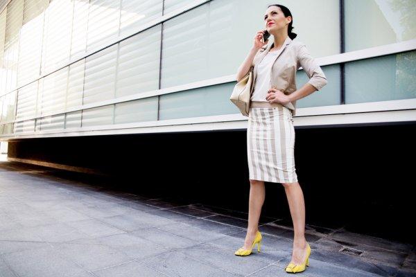 Bosan dengan Pakaian yang Biasa? Cobalah 10 Rekomendasi Baju Setelan  untuk Wanita untuk Tampil Menawan
