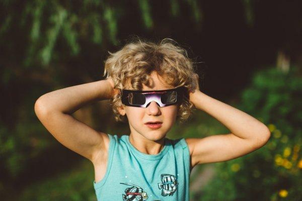 Bosan Kacamata Biasa? 10 Kacamata Unik dan Lucu ini Bisa Jadi Pilihan Buat Kamu yang Cari Tampilan Baru!