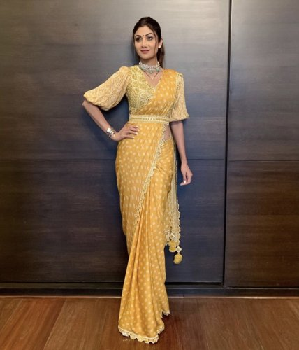 Saree; an Attire that is Timeless and Truly Reflects Women's Elegance(2020): 10 Belted Saree Whose Effects are As Stunning as the Retro Avatar