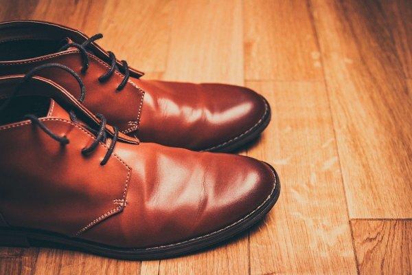 Tampil Makin Dewasa dengan 10 Rekomendasi Sepatu Kulit Pria Berikut (2020)