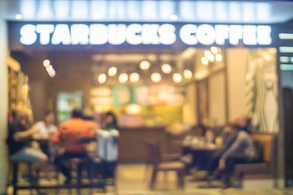 Mau Ngopi Murah di Starbucks? Coba Gunakan 13 Rekomendasi Tumbler Starbucks yang Bisa Kamu Jadikan Koleksi