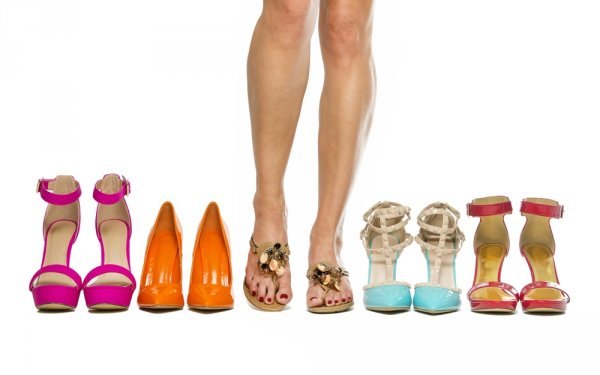 Bebaskan Gayamu dengan 10 Pilihan Sandal Wanita Ini