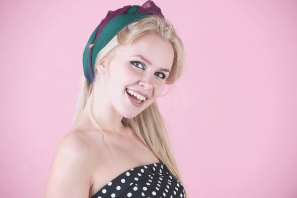 Permanis Penampilan Secara Instan dengan 10+ Model Hiasan Rambut Cantik  Pilihan BP-Guide Berikut!