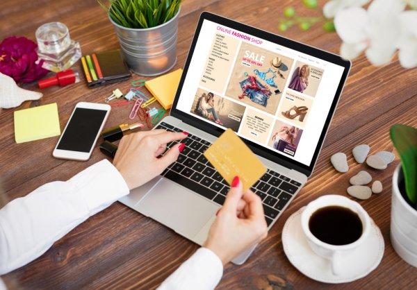 Natal Tinggal Menghitung Hari! Inilah 10 Rekomendasi Platform E-commerce yang Wajib Kamu Kunjungi untuk Mencari Hadiah Natal
