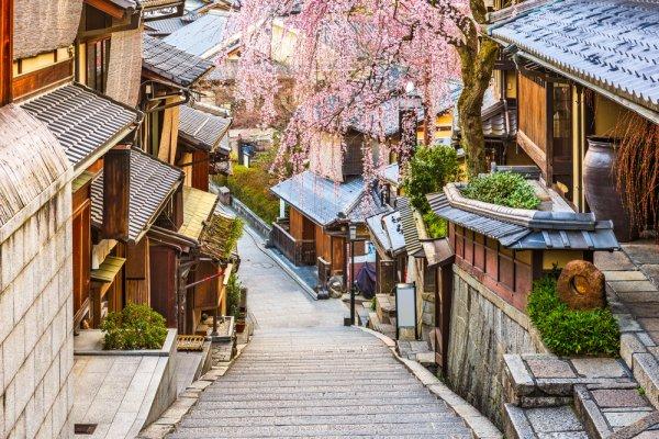 Punya Rencana Traveling ke Jepang? Jangan Lewatkan 7 Tempat Wisata di Jepang Spesial untuk Penggemar Anime Ini