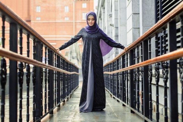 10 Rekomendasi Dress Muslimah untuk Tampilan Fashionable