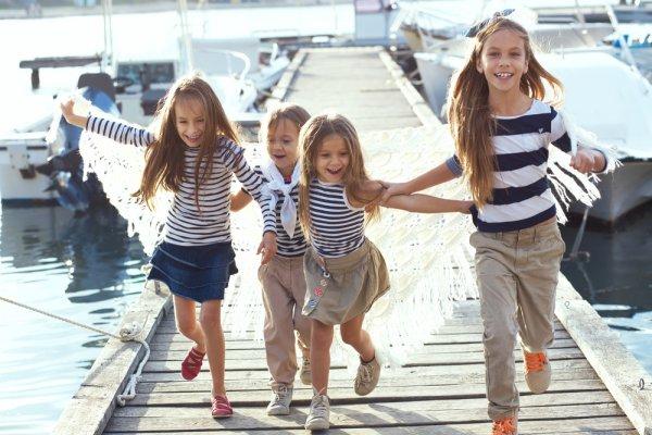 10 Merek Baju Anak-anak Pilihan yang Membuat Anak Anda Tampak Lucu dan Menggemaskan