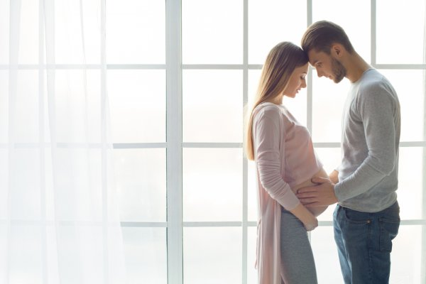 Get The Best Gift For Pregnant Wife: 10 Great Ideas To Nourish And Cherish Her During Her Pregnancy
