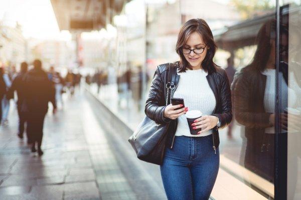 Trend Baju Wanita Terbaru dan 9 Padu Padan Busana Kasual Simple nan Modis (2018)