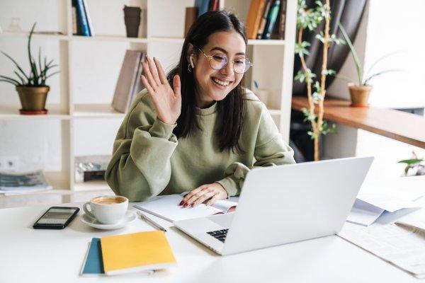 Ini Dia 10 Rekomendasi Meja Belajar Lipat untuk Belajar dan Bekerja (2020)