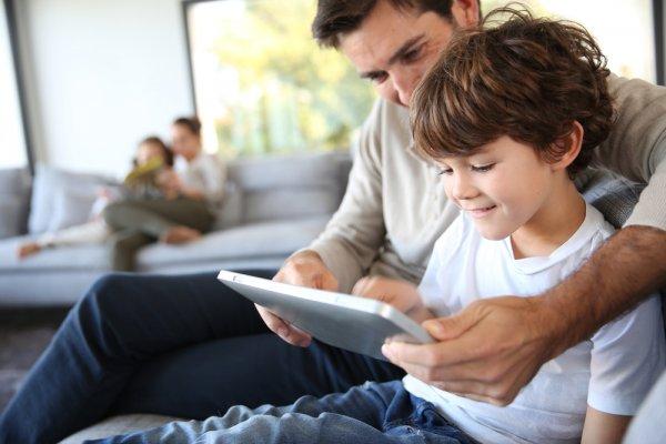 Ajak Anak Bermain Sambil Belajar dengan 10 Rekomendasi Tablet Terbaik untuk Anak Ini (2018)