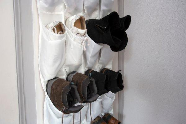 Punya Banyak Sepatu? Ini 10 Rekomendasi Gantungan Sepatu untuk Menyimpan Koleksi Sepatumu!