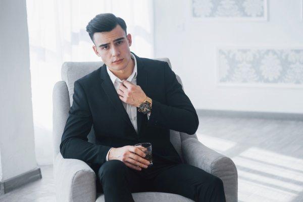 Mau Tampil Macho dan Keren? Cek Aneka Pilihan Jam Tangan Pria Murah Berkualitas (2021)