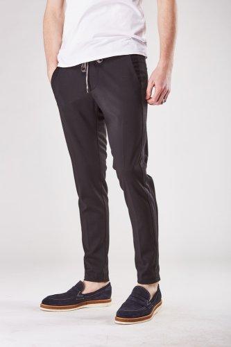 10 Brand Pilihan Celana Chino Pria Terbaru yang Berkualitas (2018) 0f88e51a50