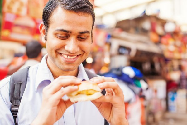 Set Your Taste Buds Tingling in the Street Food Capital of India: the Most Famous Street Food in Mumbai – from Breakfast Till Dinner (2020)