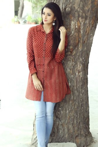 Turn Heads This Season With These Modern Kurtis For Jeans! Learn To Style These Ravishing Kurtis With Jeans Properly!