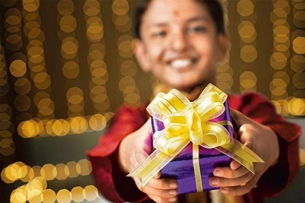Throwing a Navrathri Event at Your House? Check out These Amazing Return Gifts for Your Guests in 2019!