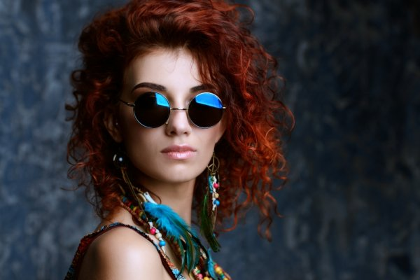 Yuk, Coba Gaya Edgy dan Etnik dengan 10 Pilihan Anting Manik Unik yang Mampu Mempercantik Penampilanmu!
