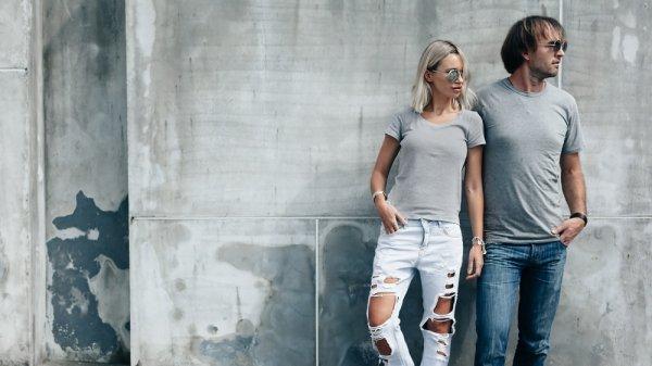Tampil Kompak dan Keren dengan Baju Couple Kaos