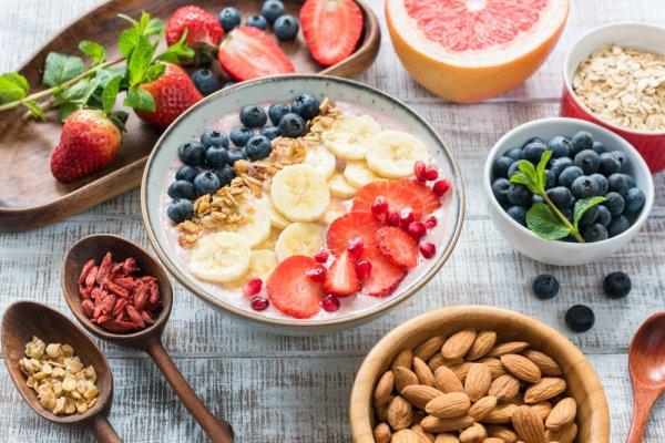 Top 10 đồ ăn vặt không béo tiện lợi và dễ mua nhất cho người đang giảm cân (năm 2021)
